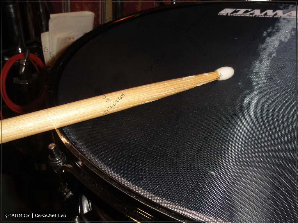 Способ игры на барабане: рим-шот