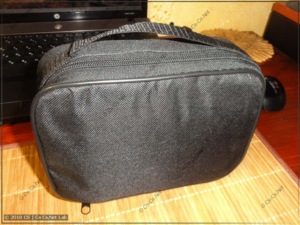 Прибор Uni-T UT-526 (в сумке для переноски)