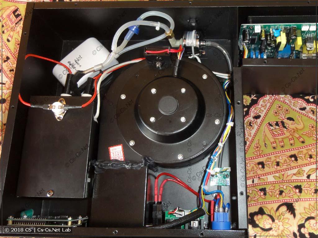 Внутреннее устройство генератора тумана (Hazer)