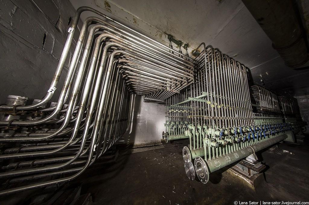 Отходящие трубопроводы от реактора РБМК (фото Lana Sator)