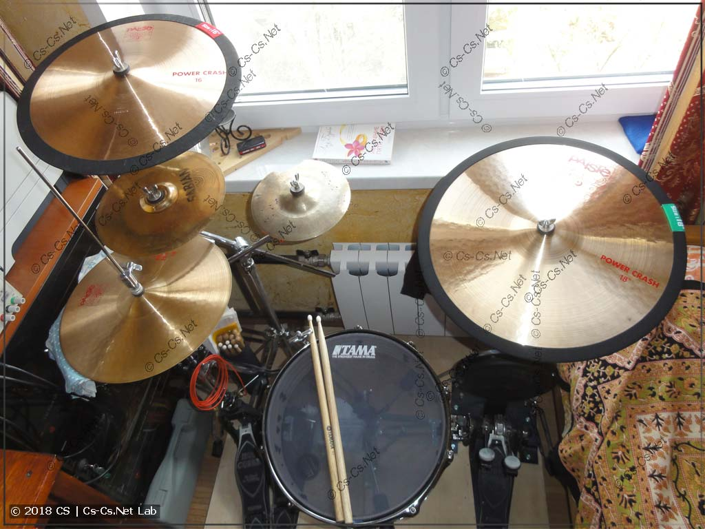 Моя домашняя барабанная установка с заглушенными тарелками