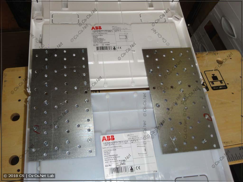 Пытаемся соединить два Mistral IP41 при помощи железных пластин