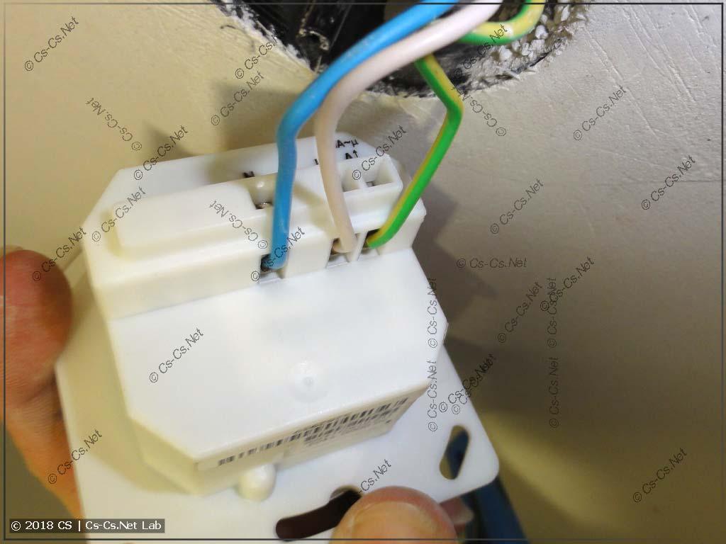 Трёхпроводное подключение датчика движения/присутствия