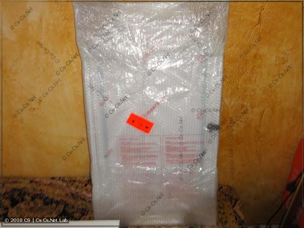 Прозрачная дверь для щитов AT/U в упаковке