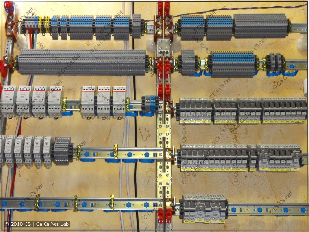 Исполнительная часть щита с ПЛК: реле, контакторы, диммеры