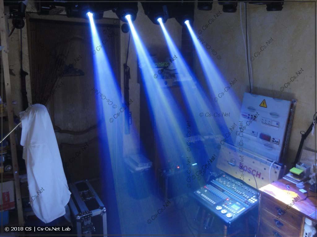 Лучи света от светодиодных голов типа Spot (90W LED)