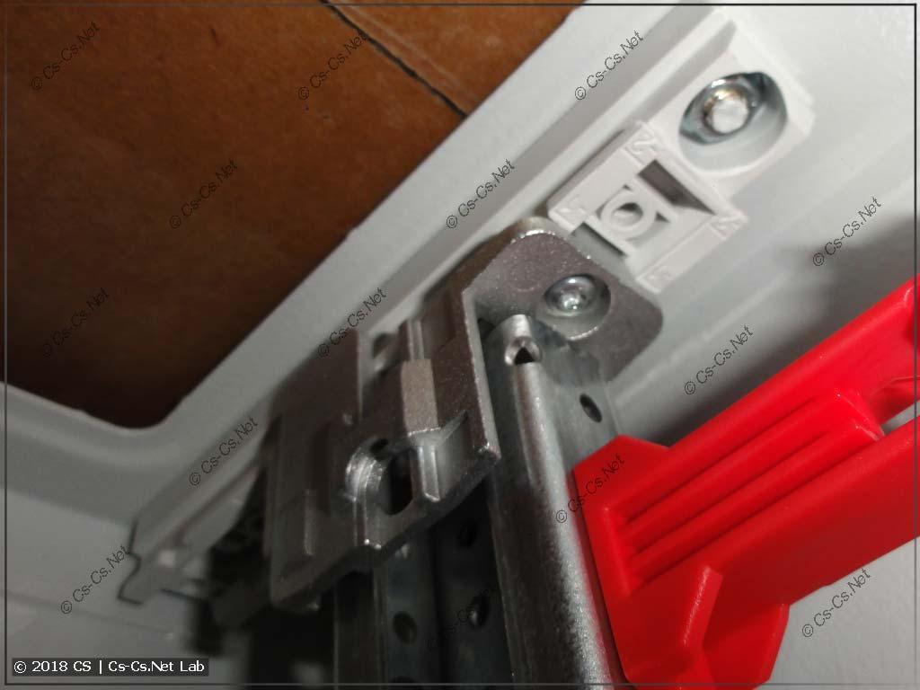 Выдвигаем WR-раму шкафа TwinLine, если будем использовать держатели проводов ED45P10 и рейки MBK