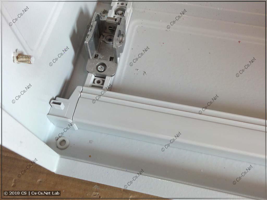 Установка защиты в шкаф: ставим нижние и верхние профили