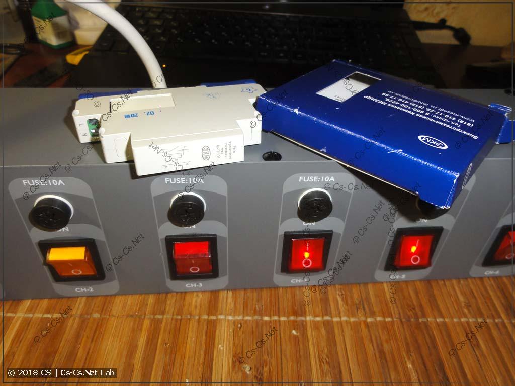 Реле ограничения пусковых токов Меандр МРП-101 и панель питания ShowTec DJSwitch 6