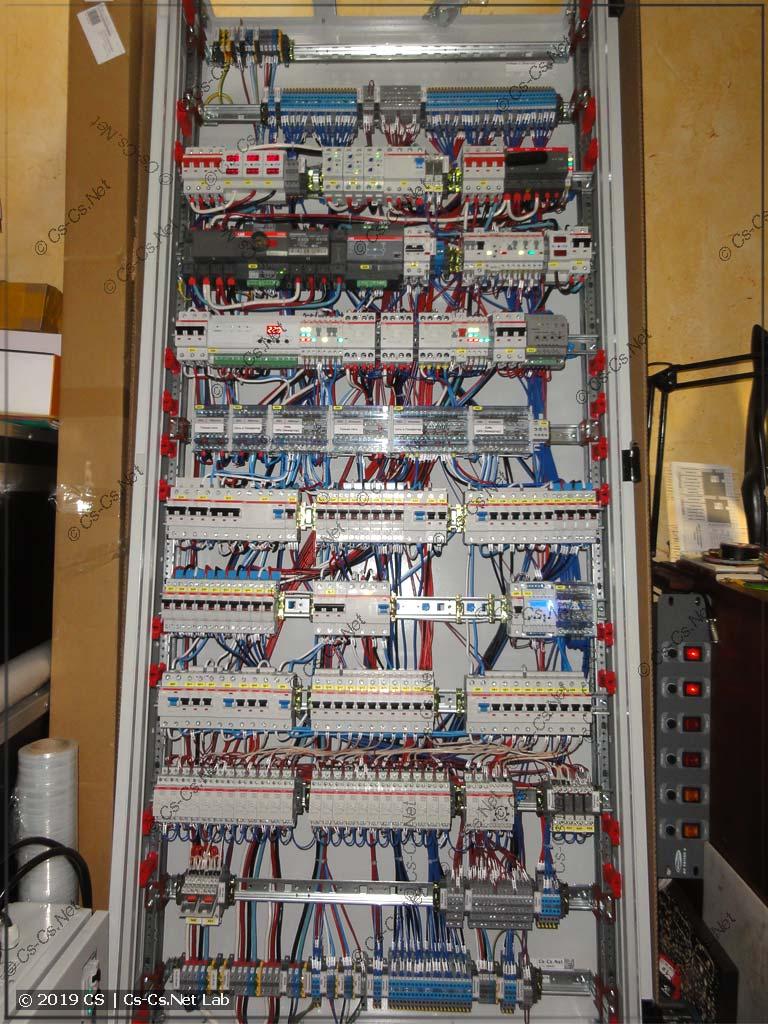 Силовой шкаф для коттеджа в Победа-2 (вид на монтаж изнутри)