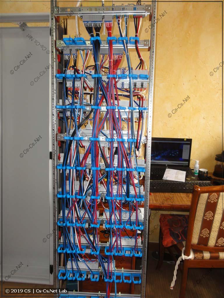 Вид на провода сзади (на держателях ED45P10)