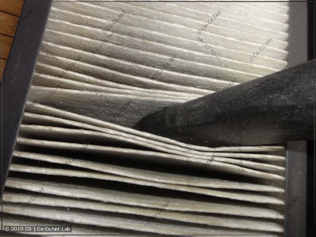 Чистка фильтра грубой очистки бризера от тополиного пуха