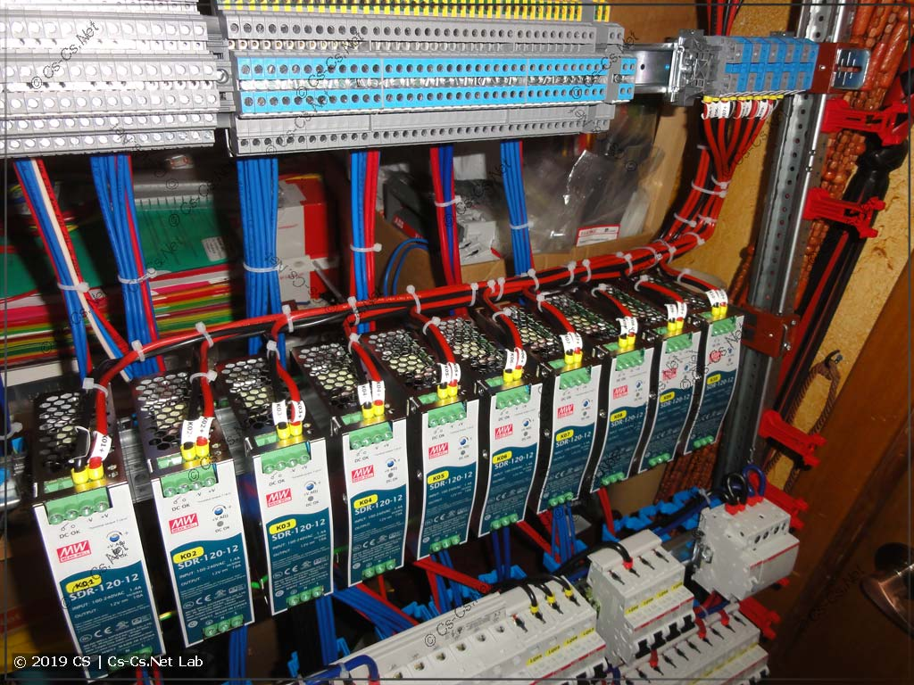 Адские линии питания LED-лент на 6 квадратов от блоков питания