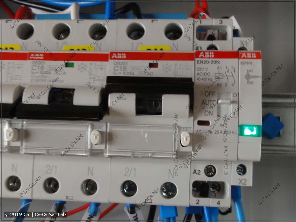 Контактор с ручным управлением для насоса полива участка (из колодца)
