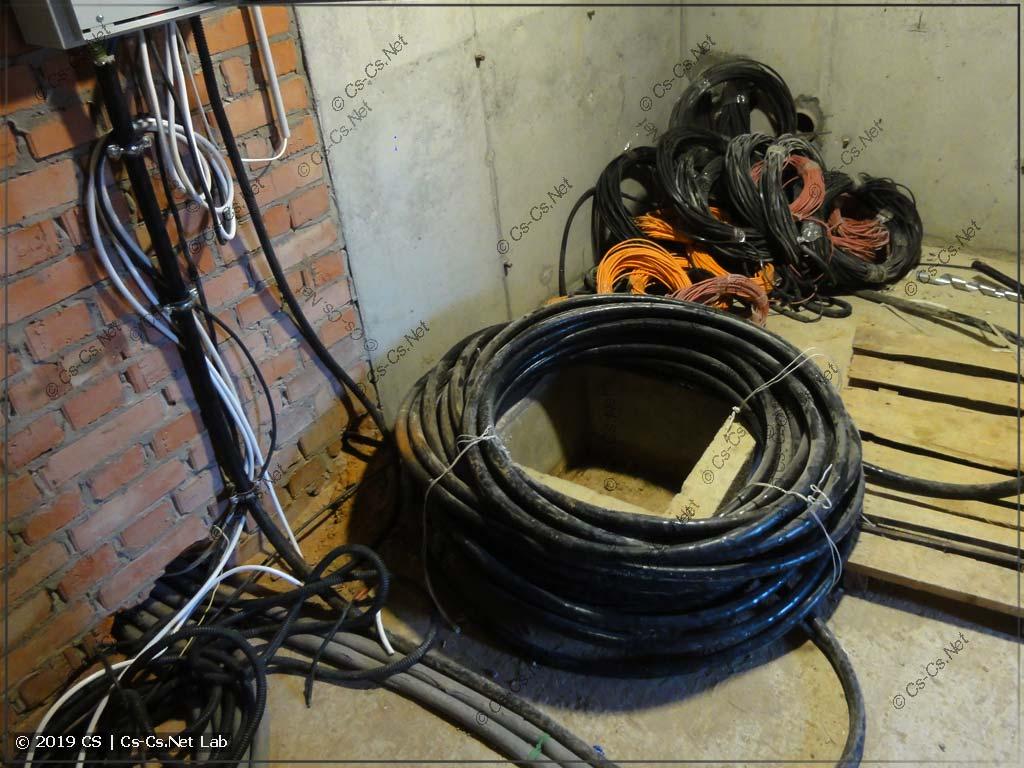 Толстый вводной кабель в коттедж
