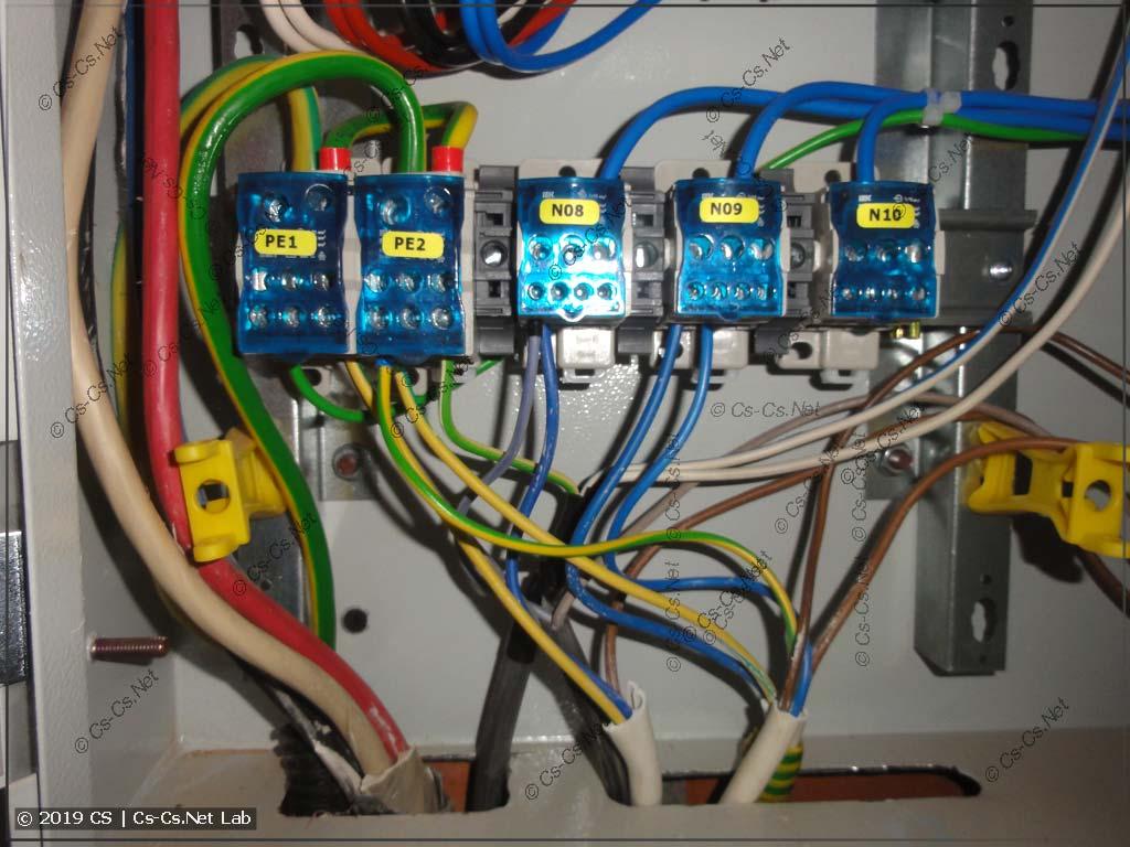Подключение нулей и PE на щитокчерез блоки ИЭК РБ
