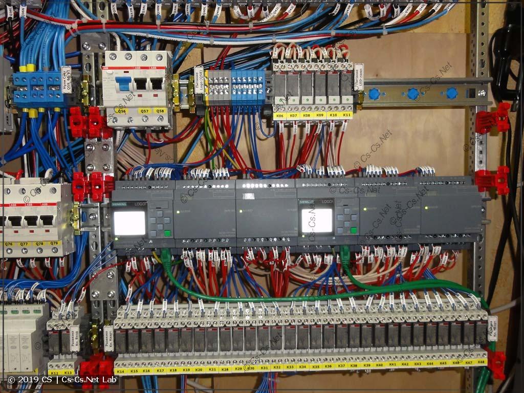 Часть автоматики с Logo: реле развязки кнопок с подсветкой, силовые реле для LED-лент