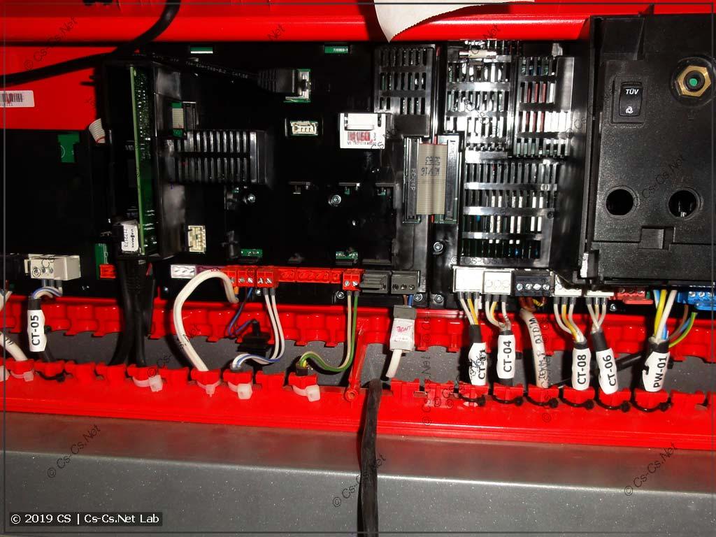 На наших кабелях маркировка - есть! Согласно документации, которая лежит внутри щита!