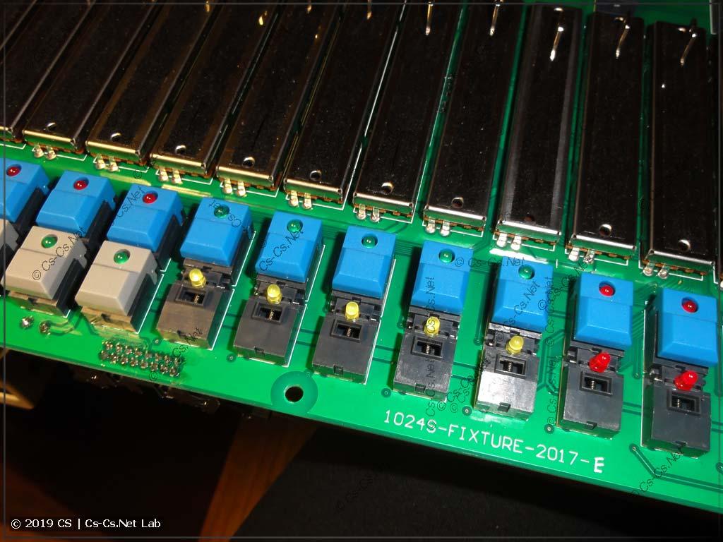 Аналогично предыдущим перепаиваем светодиоды на кнопках выбора приборов и паллет