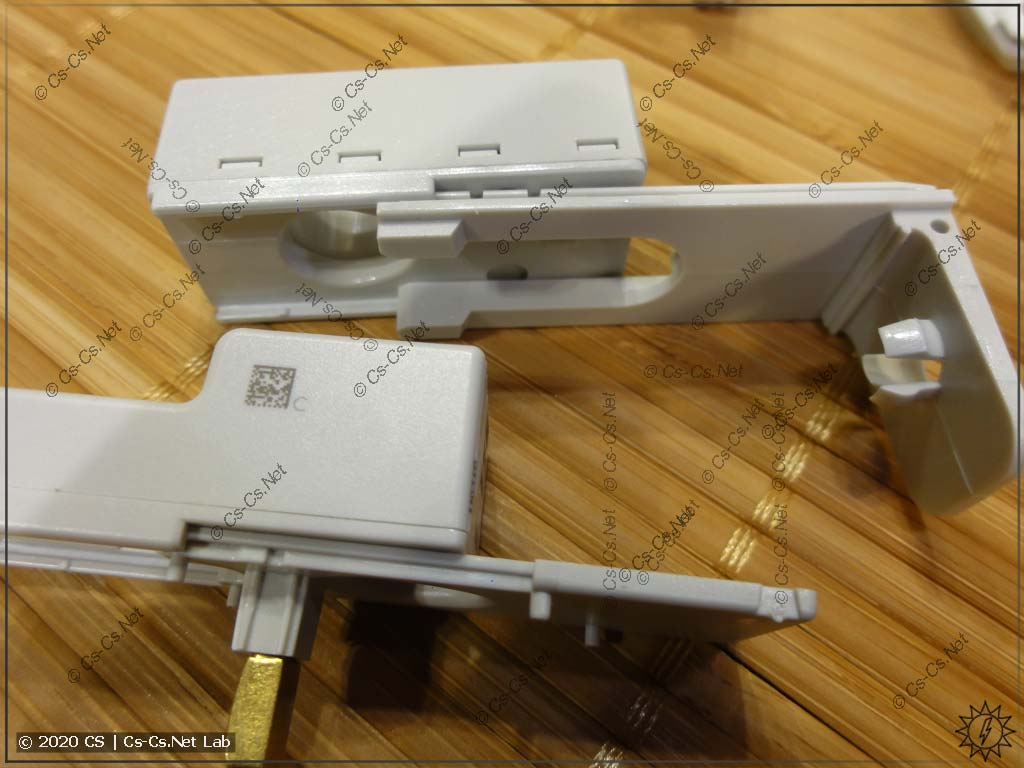 Датчики ABB CMS можно немного двигать по держателям для того, чтобы поставить их максимально близко к проводу