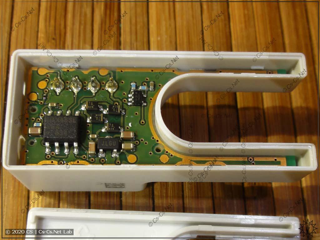Внутреннее устройство датчика тока ABB CMS: плата с интерфейсной микросхемой (MAX483E)