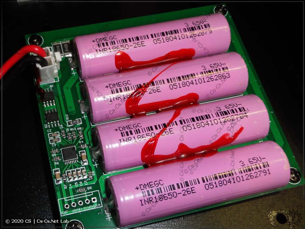 Сборка из аккумуляторов 18650, которая питает пульт Tiger Touch некоторое время без ввода сети