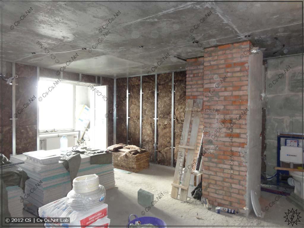 Пустая (хех) и готовая к прокладке проводки квартира в ЖК СкайФорт (2012 год)