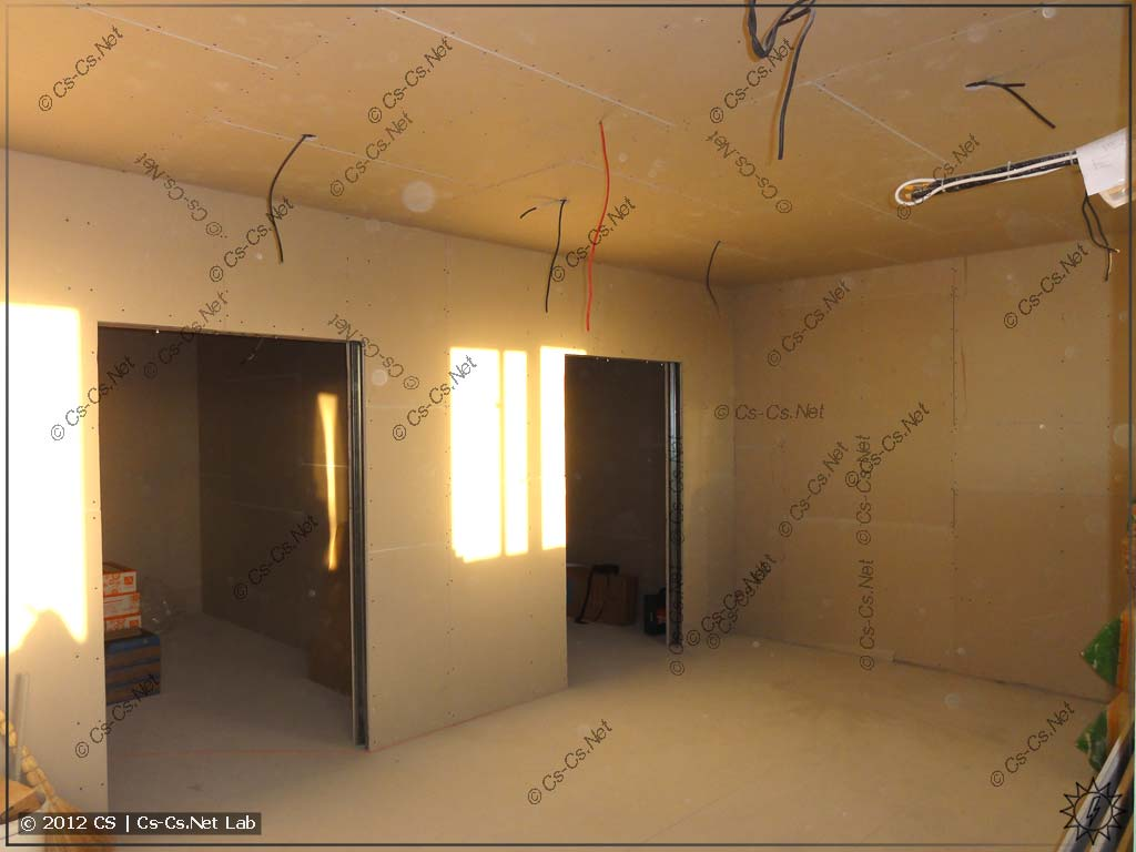Квартира после того, как в ней отстроили стены, стала ещё меньше... Ыыы!