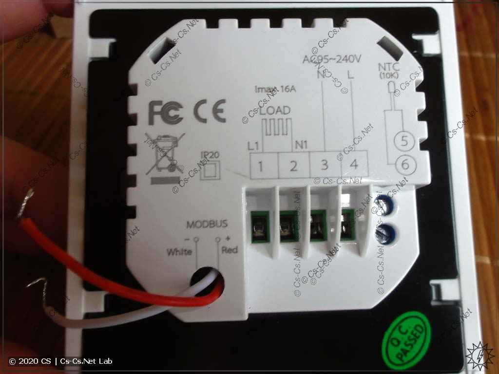 Клеммы для подключения питания, нагревательного мата, датчика температуры пола и ModBus