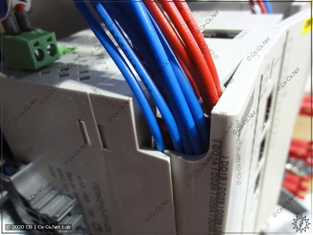 Неудобства монтажа модулей ОВЕН Мх210/ПЛК210: из-за кучи проводов крышка не закрывается плотно, как должна