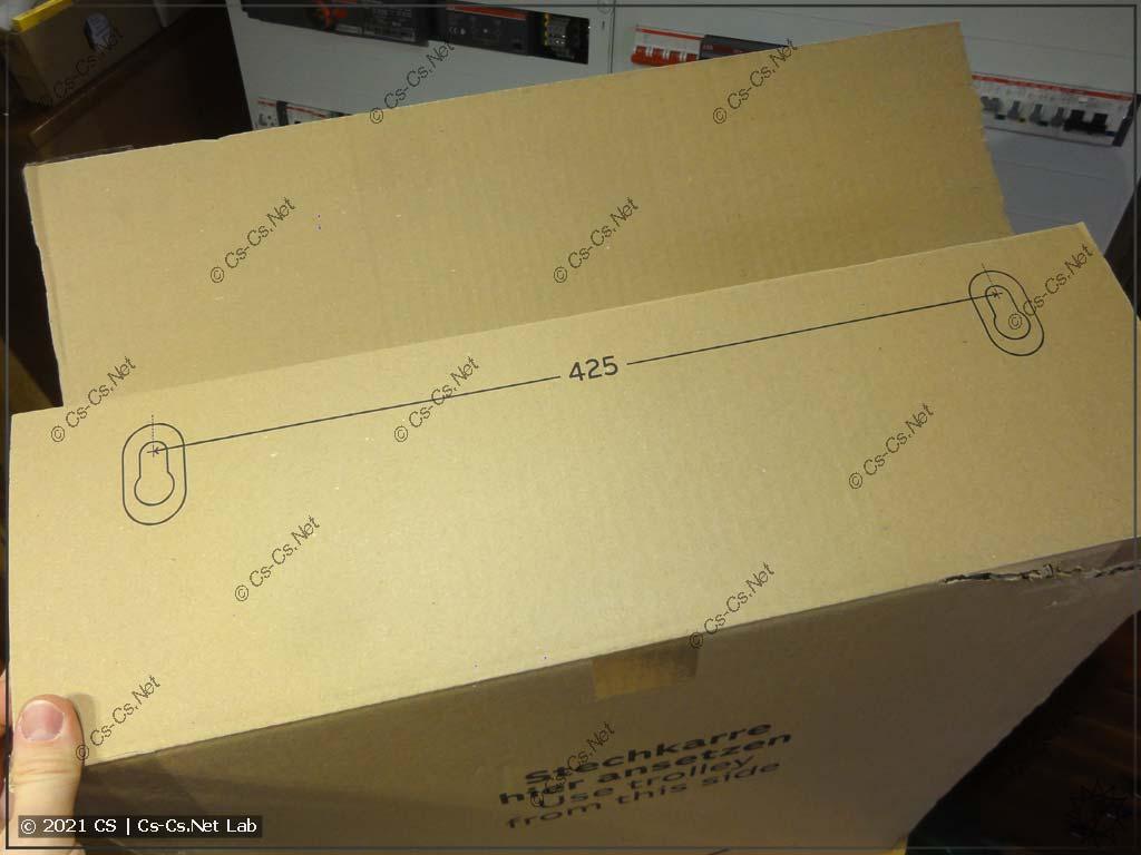 Внутри коробки щита ABB ComfortLine теперь есть разметка между центрами крепёжных отверстий