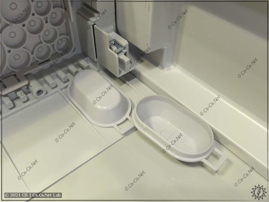 Специальная крышка для того, чтобы закрывать крепёжные отверстия щитов ComfortLine CA