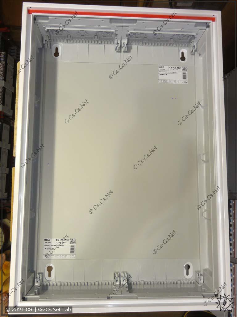 Сборка щита в Петушки (ABB CA25VZRU): Корпус щита готов для установки рамы с модулькой